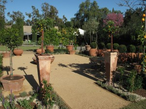 terracotta anyone? you, too can have Tuscanny - right in your backyard!