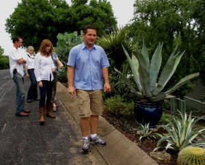 meet Jeff, a bigger succulent maniac than even ME! Jenny, Philip & Leah, Pam, and i were in awe